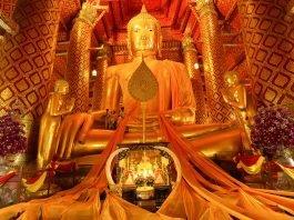 Buddha dorato. Foto di Pholtograph.