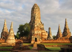 Rovine del Wat Chaiwatthanaram ad Ayutthaya