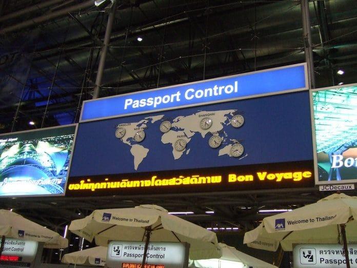 Visto e Passport control.