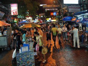 Khaosan Road a Bangkok. Foto di Kevin Poh da Petaling Jaya, Malesia.