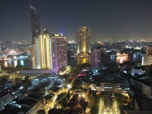 Vista sul Chao Praya River da Silom, Bangkok. Foto di Daniel Nussbaum.