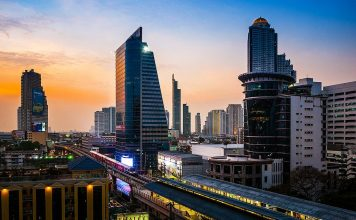 Vista dal Eastin Grand Hotel Sathorn. Foto di Prachanart Viriyaraks di Bangkok.