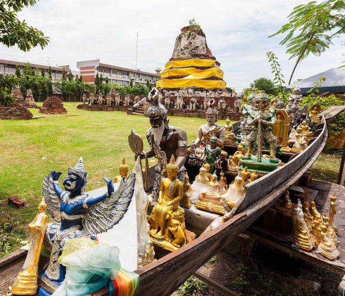 Tempio Thammikarat, Ayutthaya. Foto di Diego Delso.