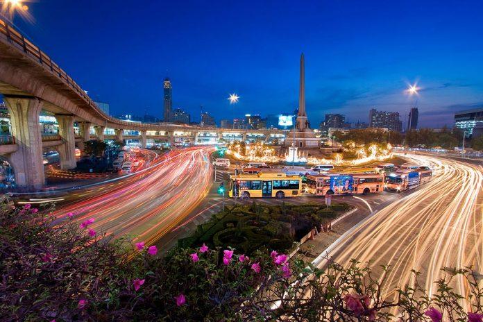 Victory Monument. Foto di Khunkay.