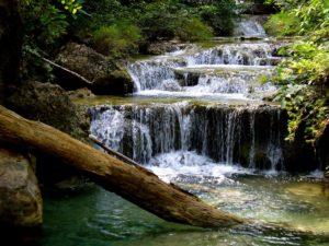 Erawan National Park, Kanchanaburi. Foto di yeowatzup.