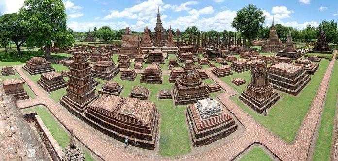 Sukhothai Historical Park. Foto di Paulrudd.
