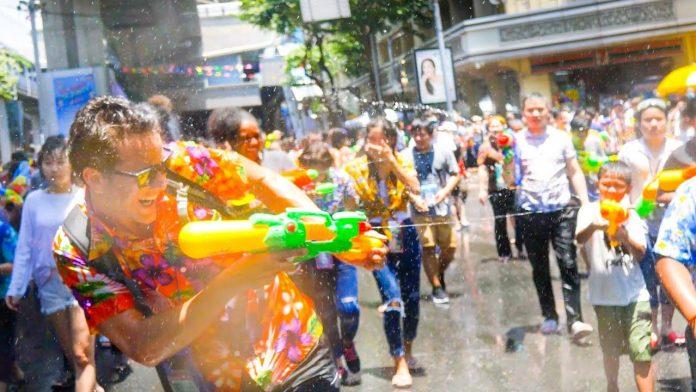 Festeggiamenti del Songkran.