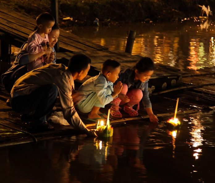 30 parchi pubblici di Bangkok aperti per il Loy Krathong festival