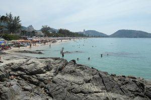 taglio dei prezzi negli hotel a phuket