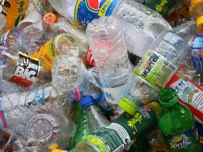 Il Ministero mira a zero rifiuti, vietata la plastica monouso